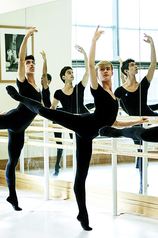 Scott McKenzie på Royal Ballet School. Foto RBS